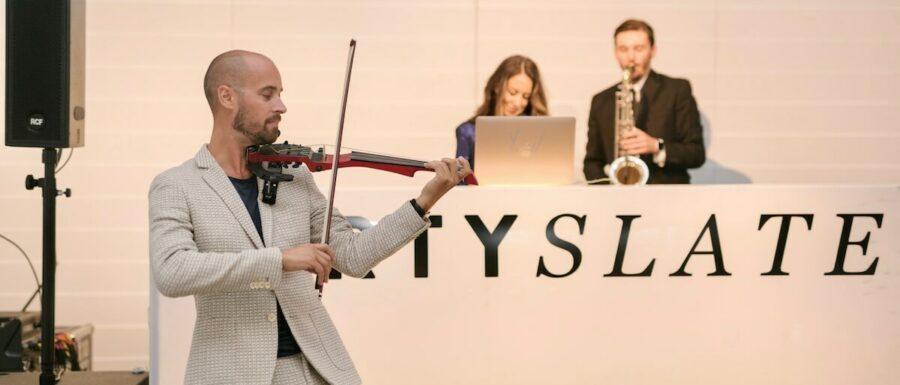 DJ Saxophone Electric Violin New York City   Kiral Artists